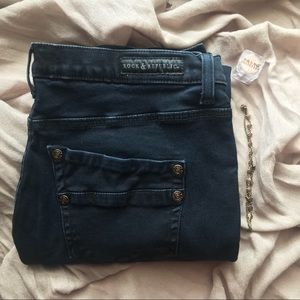 Rock & Republic Dark Wash Stretchy Skinny Jeans